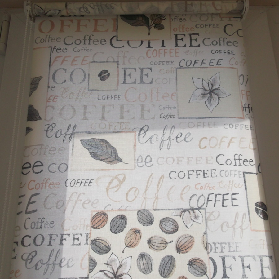 Фотография тканевой ролеты с рисунком кофе